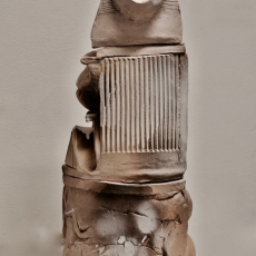 István Szabó, Totem, ceramic, 2014, 35 x 16 cm