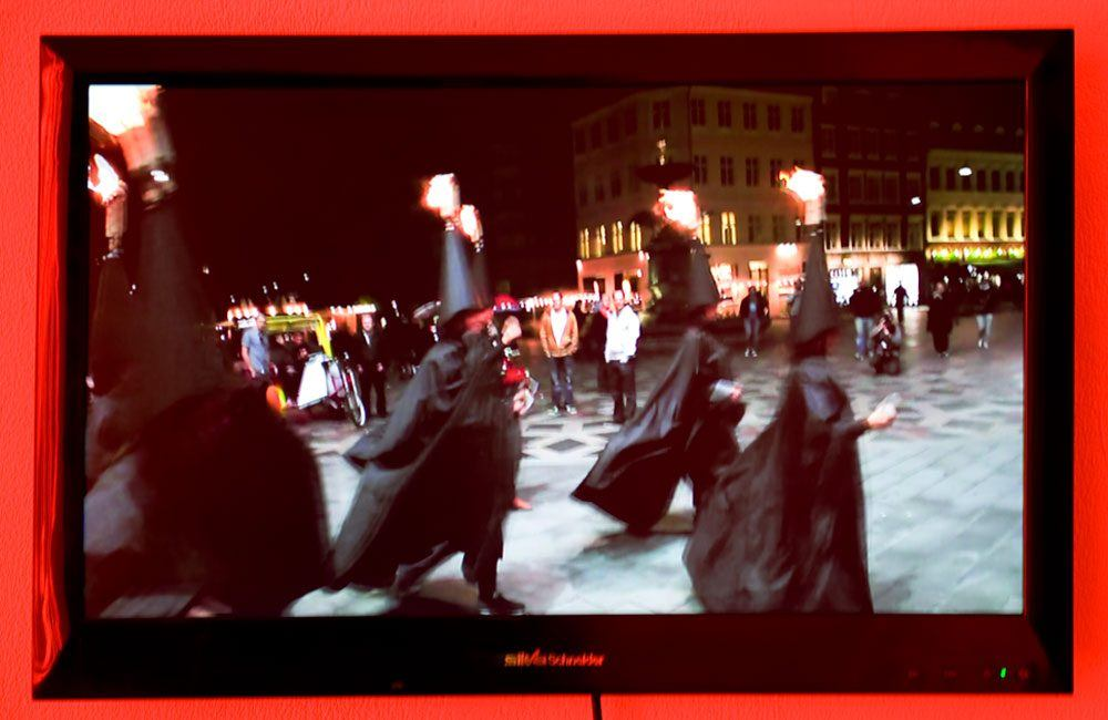 Joanna Rajkowska<br />Light of the Lodge, 2014<br />performance, video, 4' 21''