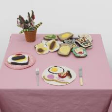 Su Richardson<br />Burnt Breakfast installation at Home Strike, l'étrangère